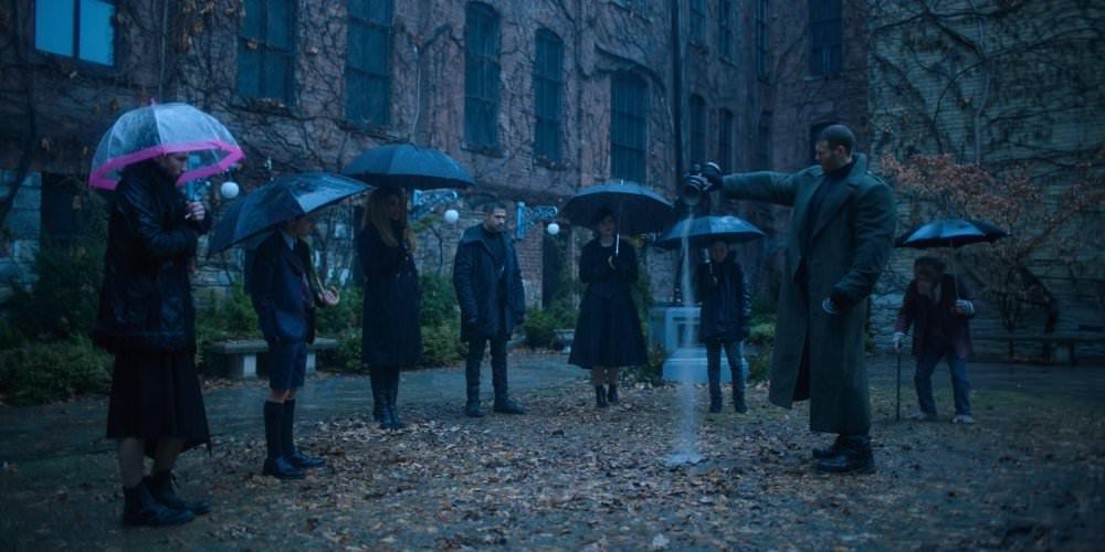 Umbrella Academy: Neue Bilder, Poster und Starttermin ... Emmy Raver Lampman