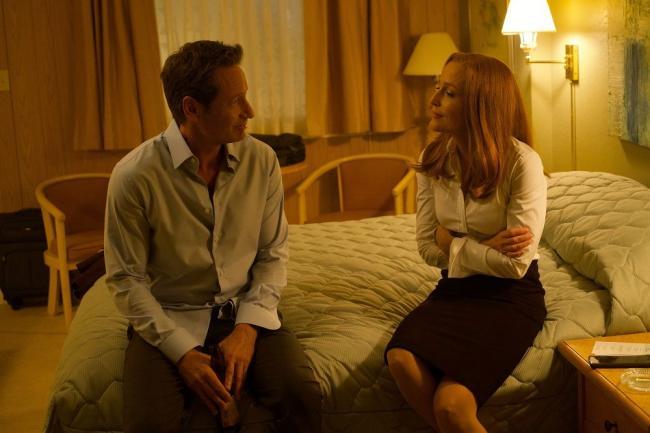 Mulder und Scully im Bett
