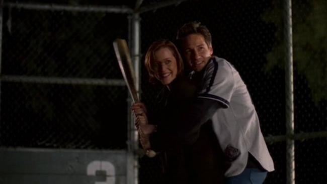 Sculler und Mulder spielen Baseball in Folge 6x20 The Unnatural