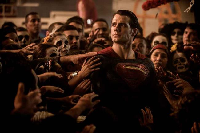 Batman v Superman: Henry Cavill ist Superman