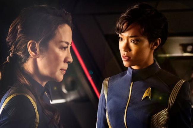 Captain Georgiou (Michelle Yeoh) und Commander Burnham (Sonequa Martin-Green)