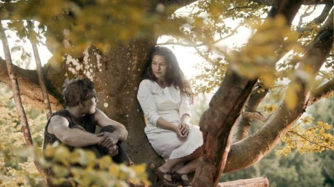 Frederick Lau und Henriette Confurius in Das Kalte Herz