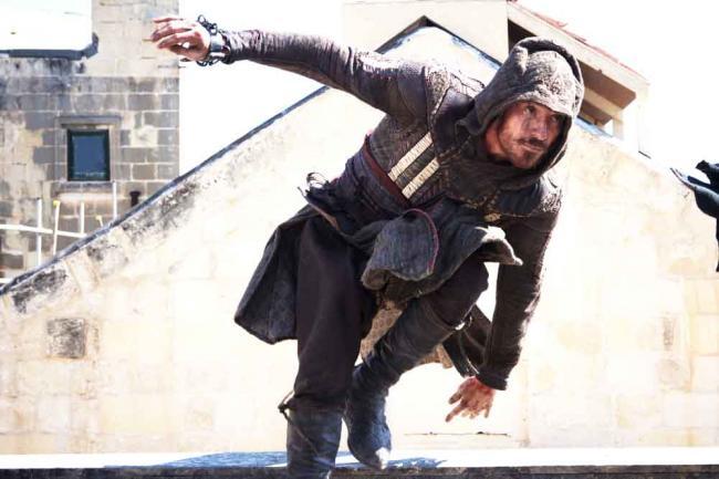 Szenenbild aus Assassin's Creed mit Michael Fassbender
