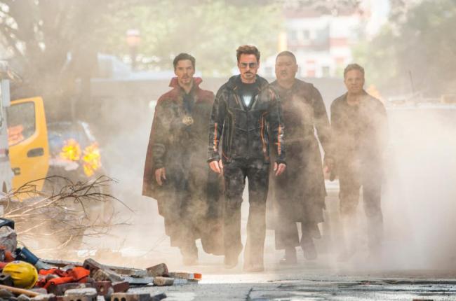 Doctor Strange, Tony Stark, Wong und Bruce Banner in Avengers: Infinity War