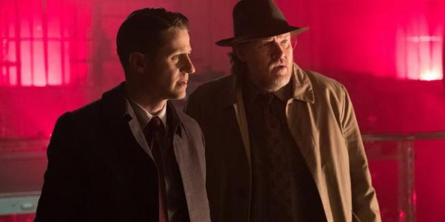 Szenenfoto Gotham 3.18: Heroes Rise: Light the Wick
