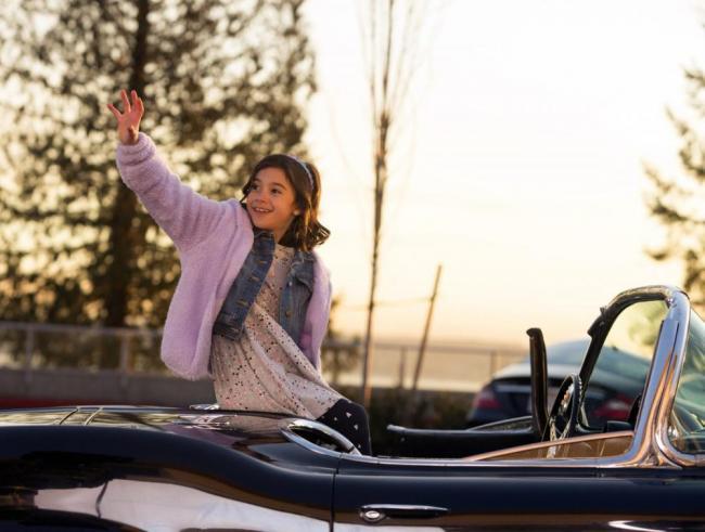 Trixie in Deceptive Little Parasite in Staffel 2 von Lucifer
