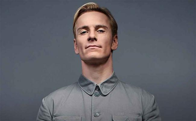 Michael Fassbender als David in Prometheus