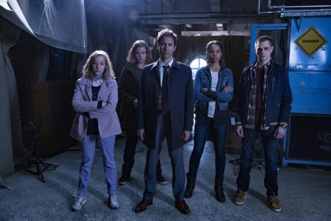 Der Cast von Travelers