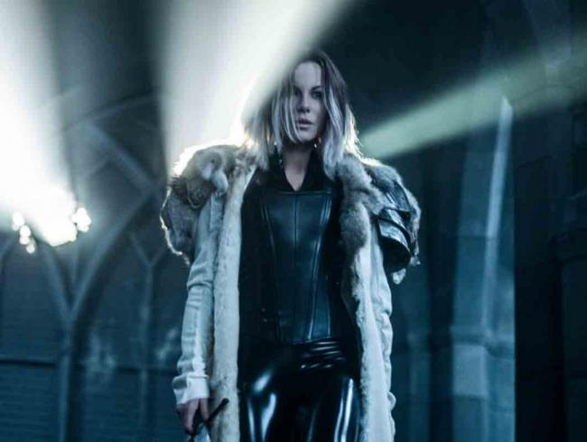 Szenenbild aus Underworld: Blood Wars mit Kate Beckinsale als Selene