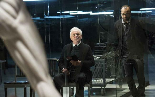 Westworld-Szenenbild mit Anthony Hopkins