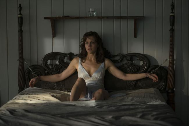 Carla Gugino in Gerald's Game