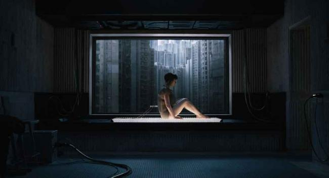 Szenenbild aus Ghost in the Shell: Major (Scarlett Johansson)