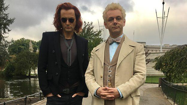 David Tennant und Michael Sheen als Crowley und Erziraphael in Good Omens