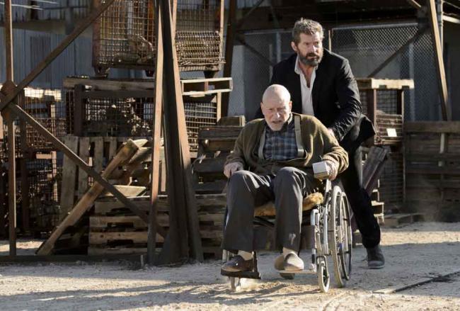 Szenenbild aus Logan: Charles Xavier (Patrick Stewart) und Logan (Hugh Jackman)