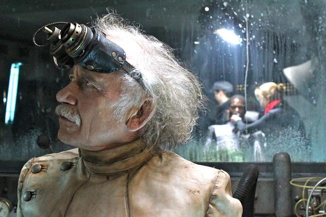 Tilo Prückner als Doktor Richter in Iron Sky
