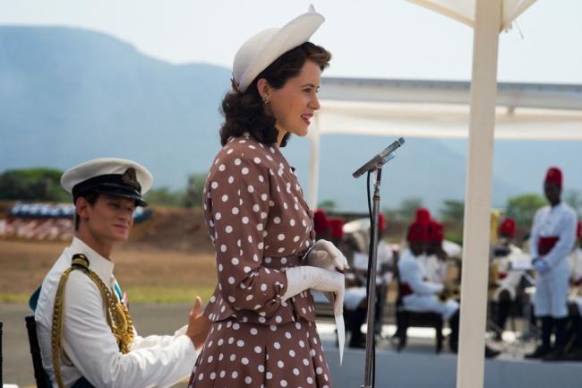 Matt Smith als Prince Philip und Claire Foy als Queen Elizabeth II in der Netflix-Serie The Crown