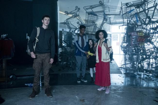 Darkest Minds Film Still Cast
