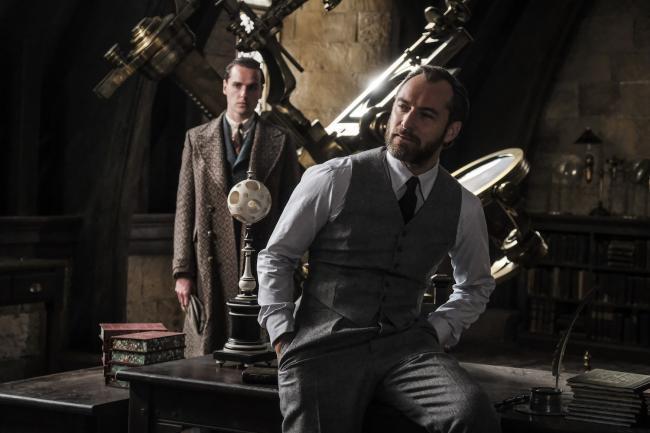 Jude Law als Albus Dumbledore in Phantastische Tierwesen Grindelwalds Verbrechen