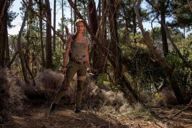 Szenenbild Alicia Vikander als Lara Croft im Tomb Raider Reboot