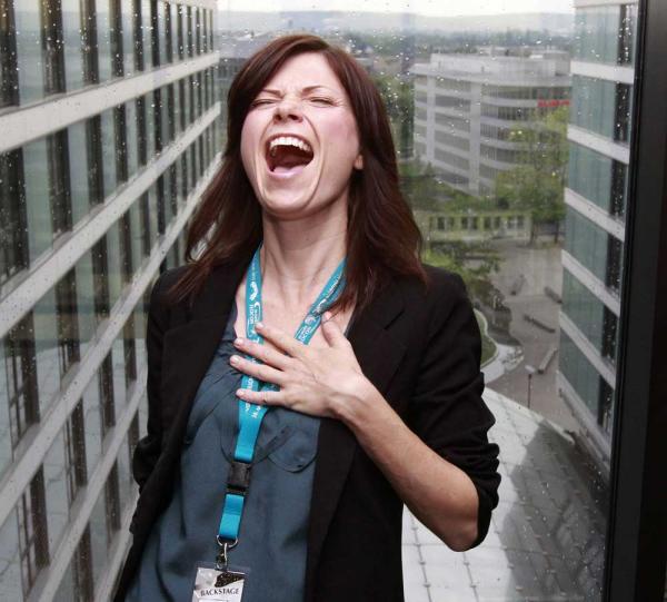 Nicole de Boer: Wie würdest du reagieren, wenn Worf, der Klingone, vollkommen nackt vor dir stehen würde?