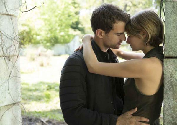 Four (Theo James) und Tris (Shailene Woodley)