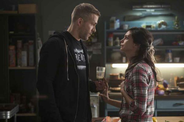 Ryan Reynolds als Wade Wilson und Morena Baccarin als Vanessa