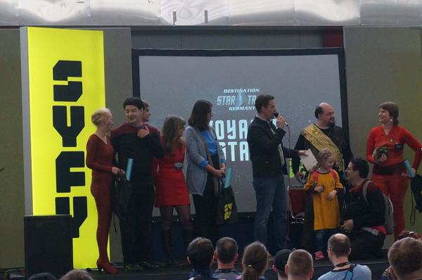 Kostümwettbewerb auf der Voyager-Bühne