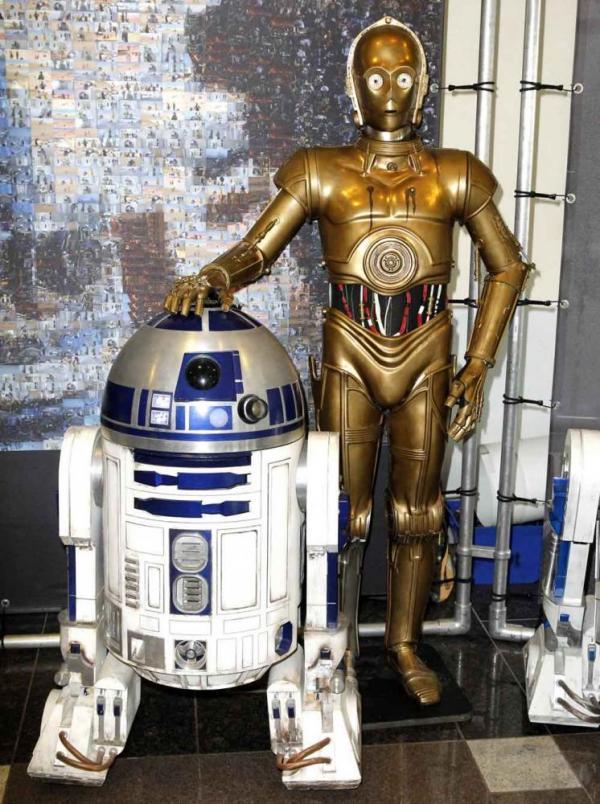 R2-D2 und C-3PO auf der FedCon