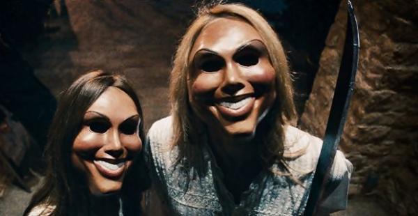 Maskentragende Plünderer in The Purge