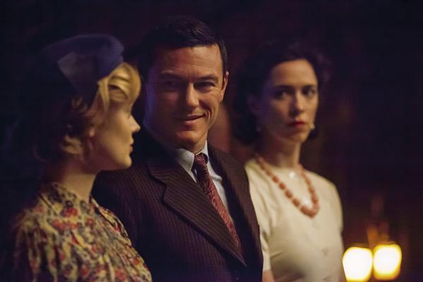 Professor Marston mit beiden Frauen
