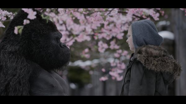 Amiah Miller als Nova in Planet der Affen: Survival