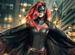 Batwoman: Erster Blick auf Javicia Leslie im Kostüm der Heldin