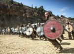 Wikinger im Angriff aus der Serie Vikings von History